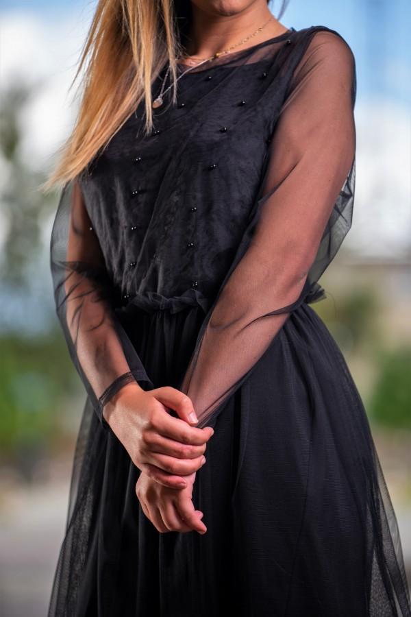 Sukienka czarna tiulowa z kamyczkami 1