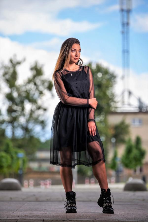 Sukienka czarna tiulowa z kamyczkami 3