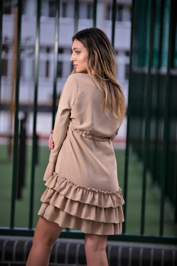 Sukienka z falbanką beż 2
