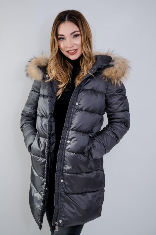 Płaszcz pikowany szary futro 2