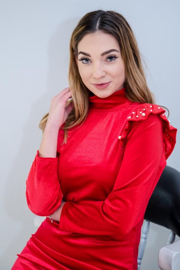 sukienka welurowa z perełkami czerwona 2