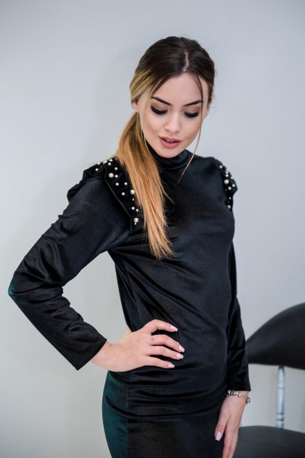 sukienka welurowa z perełkami czarna 1