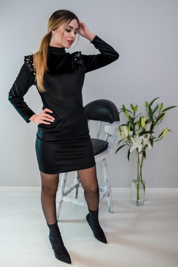 sukienka welurowa z perełkami czarna 2