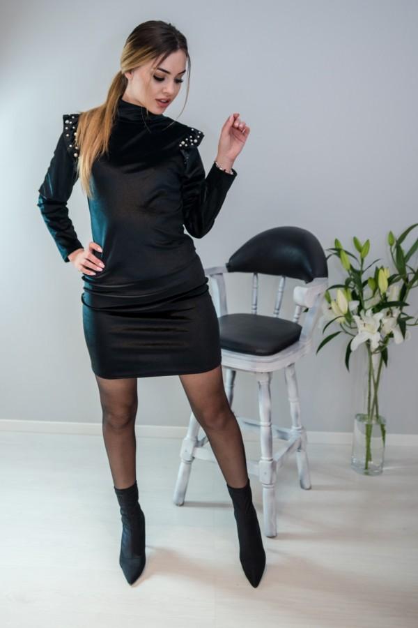 sukienka welurowa z perełkami czarna 3