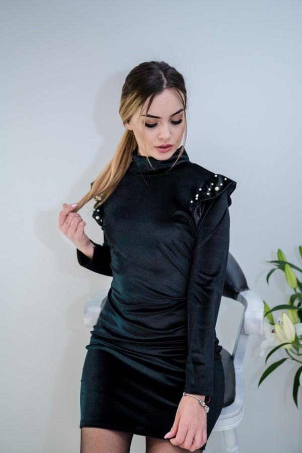 sukienka welurowa z perełkami czarna 7