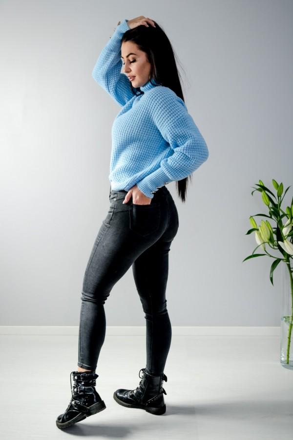 sweter niebieski półgolf guziczki 10