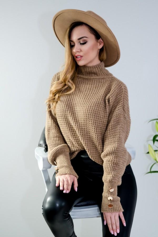 sweter brązowy półgolf guziczki 3