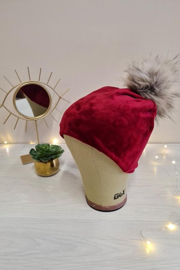 czapka welurowa z pomponem czerwona
