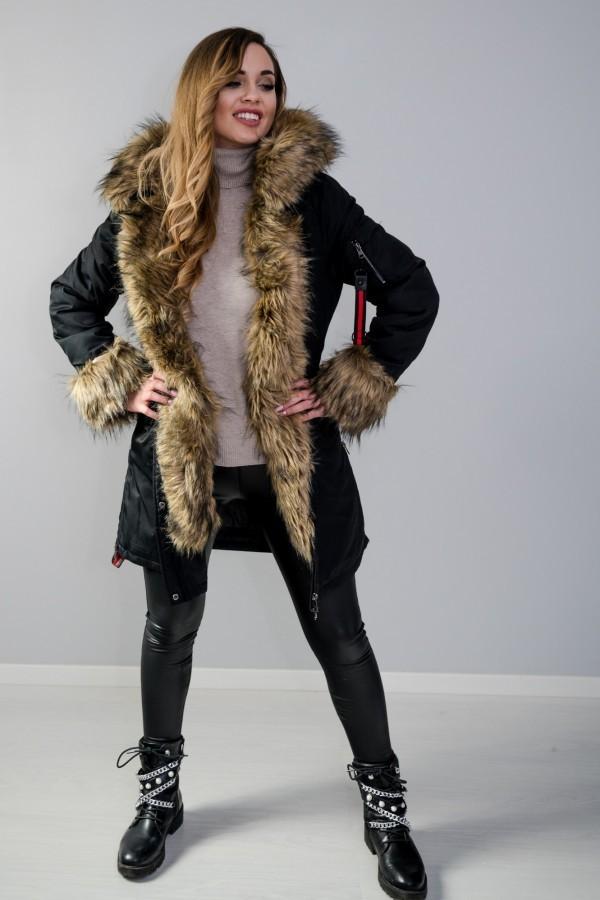 Płaszcz kurtka ocieplana z futerkiem czarna 11