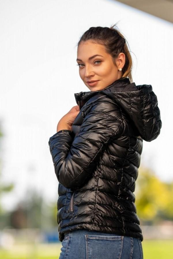kurtka pikowana kaptur czarna
