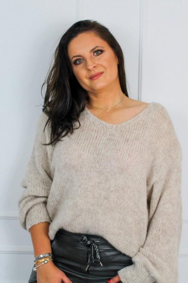 Sweter oversize nude Flora 3